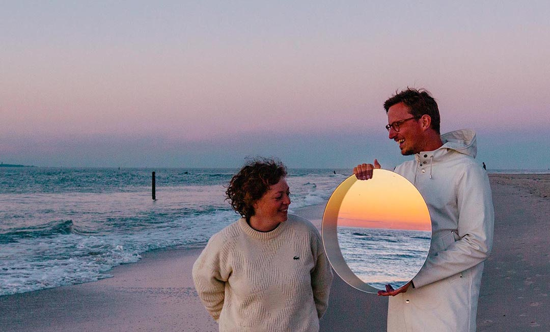 IMAGE: Photo - Jurjen & Ashley with round mirror
